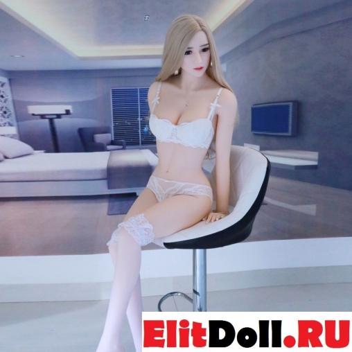 Реалистичная силиконовая секс кукла Лори