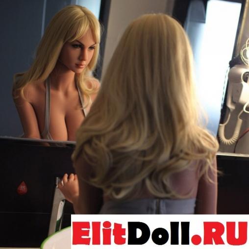 Реалистичная силиконовая секс кукла Лоррейн