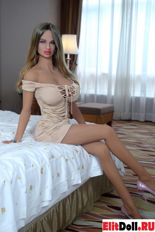 Реалистичная силиконовая секс кукла Адалхеид