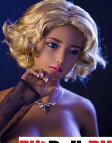 Реалистичная силиконовая секс кукла Мэнди