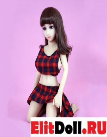 Красивая, реалистичная кукла Адрианна